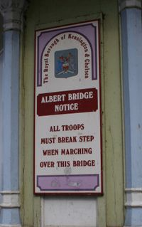 Cartello Albert Bridge.jpg